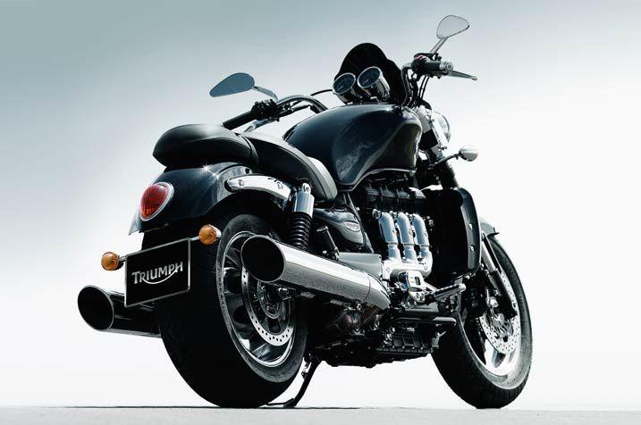 2013_Triumph_Rocket_III_Roadster_426482
