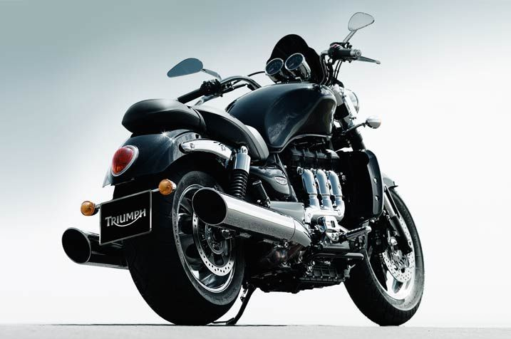 2013_Triumph_Rocket_III_Roadster_426482