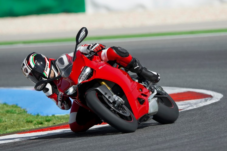 2012-Ducati-1199-Panigale-09
