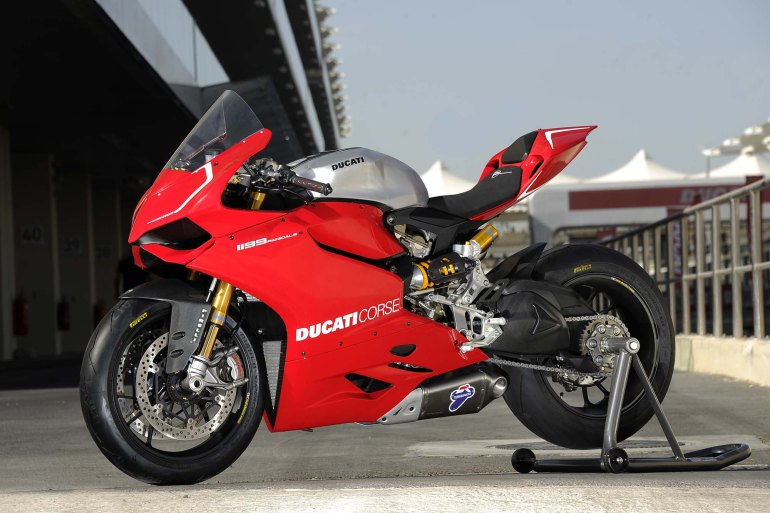Ducati-1199-Panigale-S-Superstock-04
