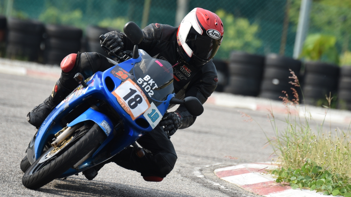 Ali Basri in action, ex-professional racer competing in Asian level circa 2001