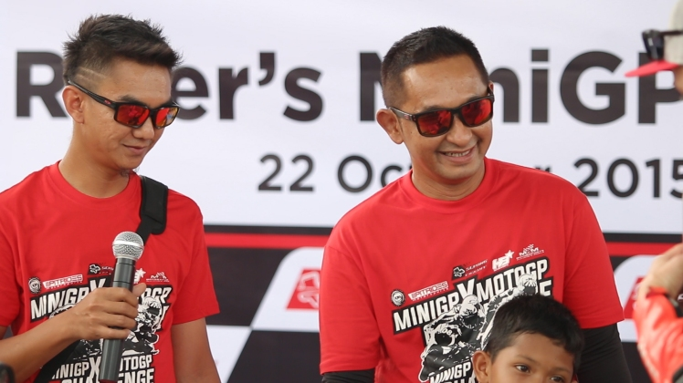 Masrul (right) during the MotoGP riders MiniGP Session